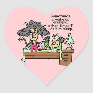 Chistoso deje el sueño gruñón pegatina en forma de corazón