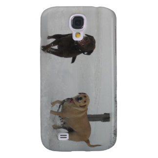 chocolate and yellow labs in the snow samsung galaxy s4 cover