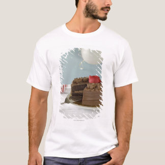 Chocolate cake with missing slice on table, T-Shirt