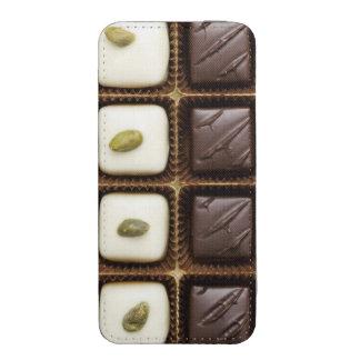 Chocolate de lujo hecho a mano en una caja funda acolchada para iPhone