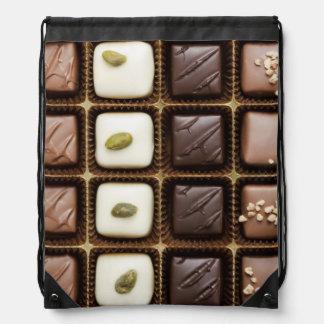 Chocolate de lujo hecho a mano en una caja mochilas