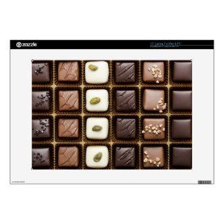 Chocolate de lujo hecho a mano en una caja portátil skins