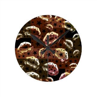 Chocolate Lips Stars Round Clock
