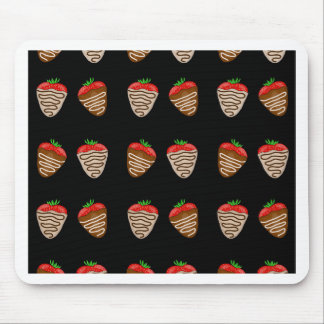 Chocolate strawberries pattern mouse pad