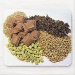 Chocolate y especia tapetes de ratón