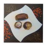 ¡Chocolates de Perú-Demasiado bueno resistir! Teja Cerámica