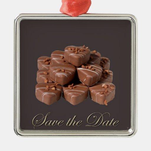 Chocolates en forma de corazón adorno navideño cuadrado de metal
