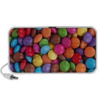 ¡Chocolates revestidos del caramelo colorido Yum! Altavoz De Viaje