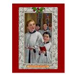 Choirboys que cantan villancicos del navidad postal