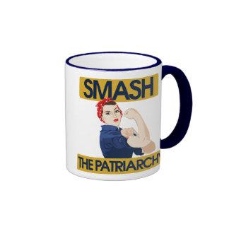 Choque el patriarcado taza de dos colores
