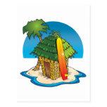 Choza de Tiki del dibujo animado con la tabla hawa Postal