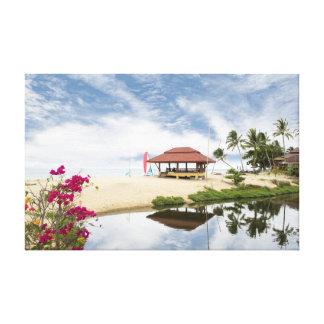 Choza tranquila de la playa en la costa de Tailand Lienzo Envuelto Para Galerías