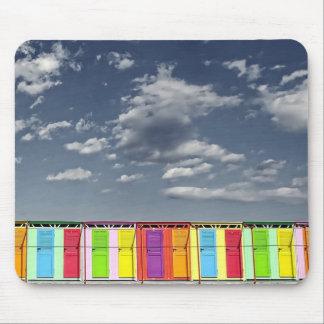 Chozas de baño coloridas Mousepad