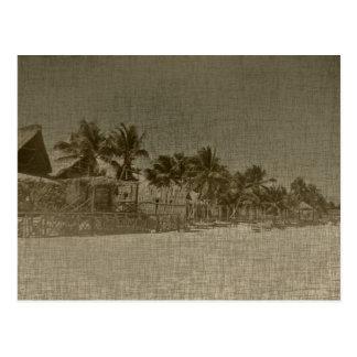 Chozas tropicales de la playa del vintage postal