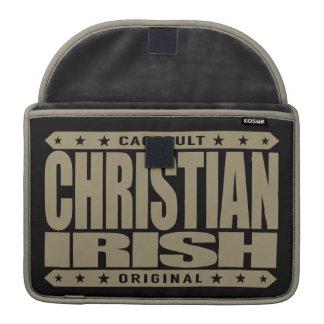 CHRISTIAN IRISH - God Loves Brave Celtic Warriors MacBook Pro Sleeve