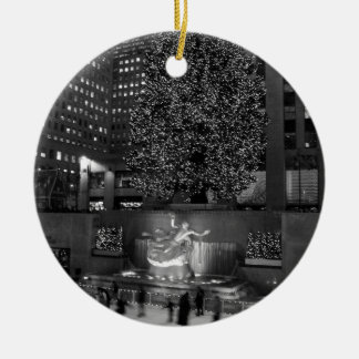 Christmas at Rockefeller Center & the ice skaters Double-Sided Ceramic Round Christmas Ornament
