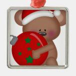 Christmas_Bear que sostiene la bola Adorno