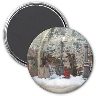 Christmas Carollers Magnet