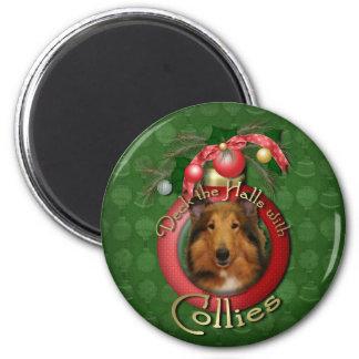 Christmas - Deck the Halls - Collie - Natalie 2 Inch Round Magnet