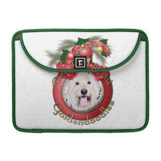 Christmas - Deck the Halls - GoldenDoodles - Daisy Sleeve For MacBooks