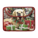 Christmas - Golden Retriever - Penuche MacBook Pro Sleeve