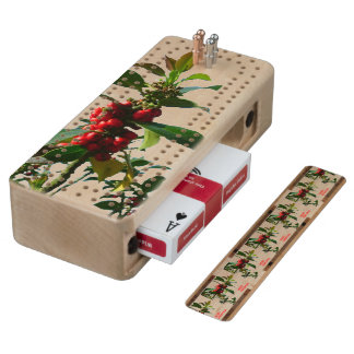 CHRISTMAS HOLLY AND BERRIES WOOD CRIBBAGE BOARD