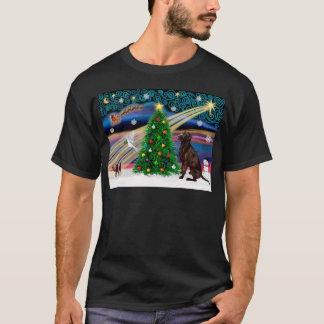 Christmas Magic Labrador Retriever (C) T-Shirt