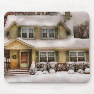 Christmas - One cold winter's morning Mouse Pad