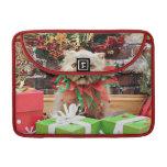 Christmas - Persian Cat - Frannie MacBook Pro Sleeve