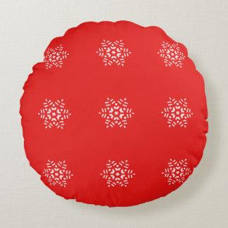 Christmas Red and White Retro Snowflake Round Pillow