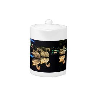 Christmas Swans 2016 Teapot
