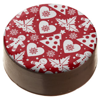 Christmas Tree and Gingerbread Man Pattern on Red Chocolate Dipped Oreo