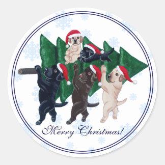 Christmas Tree Labradors in the snow Snowflake Classic Round Sticker