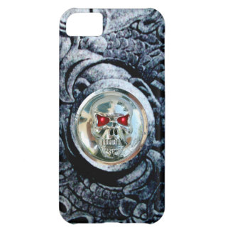 CHROME SKULL WITH FANTASY GRIFFINS iPhone 5C CASE