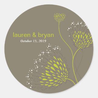 Chrysanthemum Flowers Floral Elegant Wedding Party Classic Round Sticker