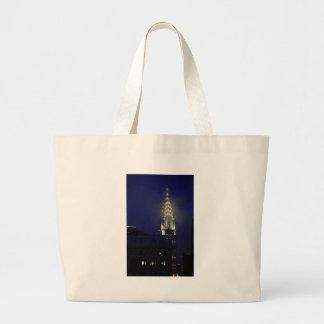 Chrysler Building Lit up at Dusk in the Mist Canvas Bag