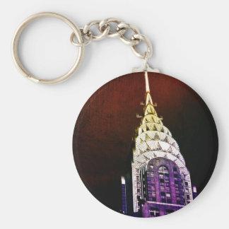 Chrysler que construye - púrpura y rojo - NYC Llavero Redondo Tipo Pin