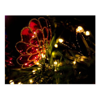Chuchería del navidad con las luces de hadas postal