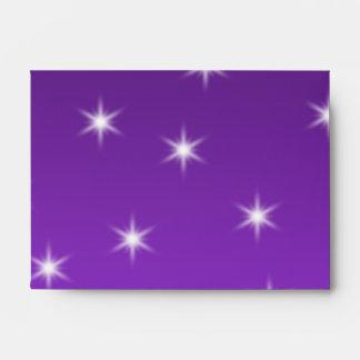 Chuchería púrpura y negra del navidad sobres
