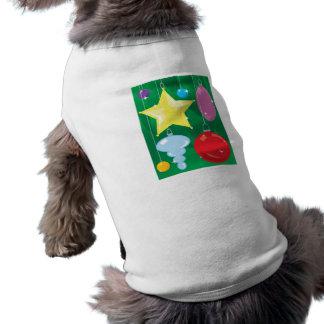 Chucherías del árbol de navidad camisa de perro