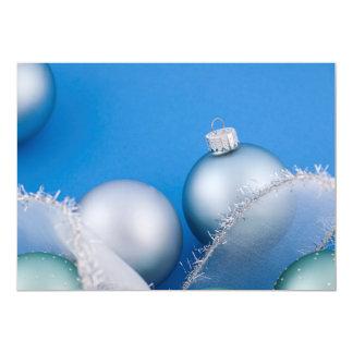 """Chucherías del navidad en azul invitación 5"""" x 7"""""""