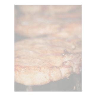Chuletas de cerdo asadas a la parrilla en el cierr plantillas de membrete