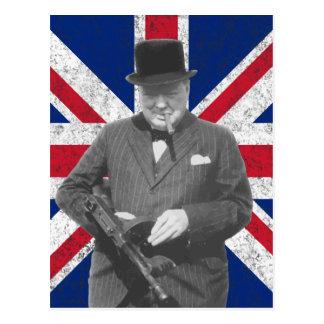 Churchill que presenta con la bandera británica tarjeta postal