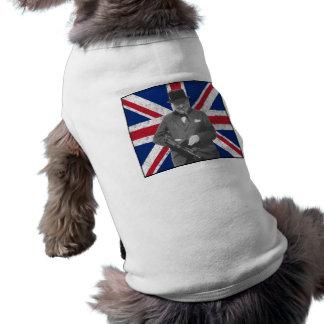 Churchill que presenta con un arma de Tommy Camisetas Mascota