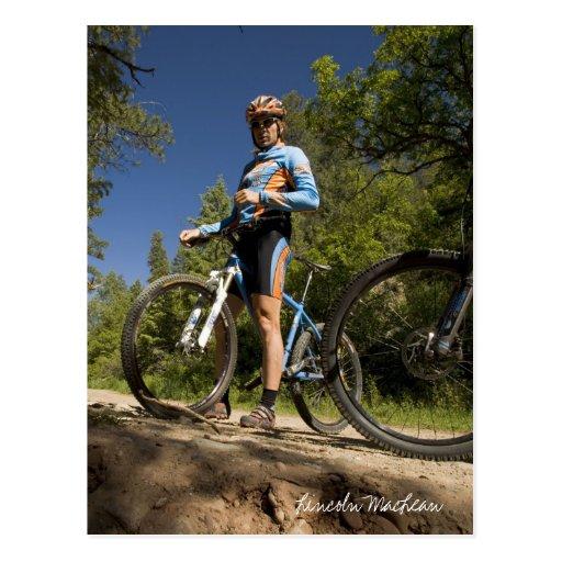 Ciclista azul y anaranjado (postal) tarjeta postal