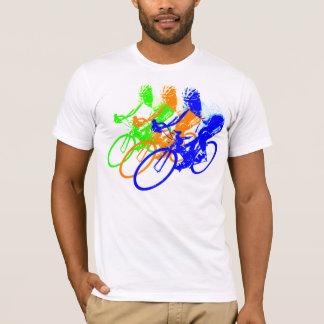 Ciclista del color del arco iris playera