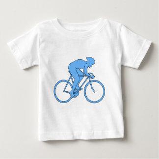 Ciclista en una raza. Azul Tshirt
