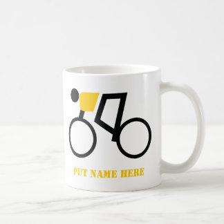 Ciclista que monta su personalizado de la taza de café