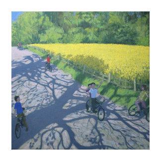 Ciclistas y campo amarillo Kedleston Derby Impresión En Tela