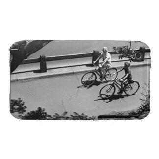 Ciclo del hombre y del muchacho iPhone 3 cobertura
